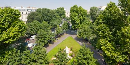 Париж XVII - Площадь генерала Катру