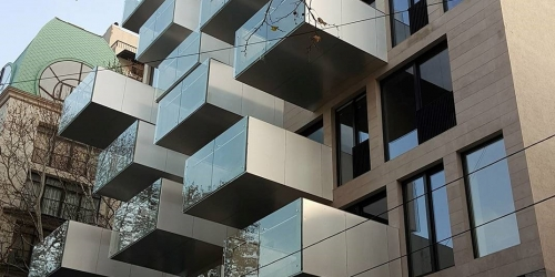 Apartment for sale in a comfortable residential building in the center of Tbilisi.