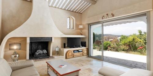 Super Cannes - Provencal-style villa