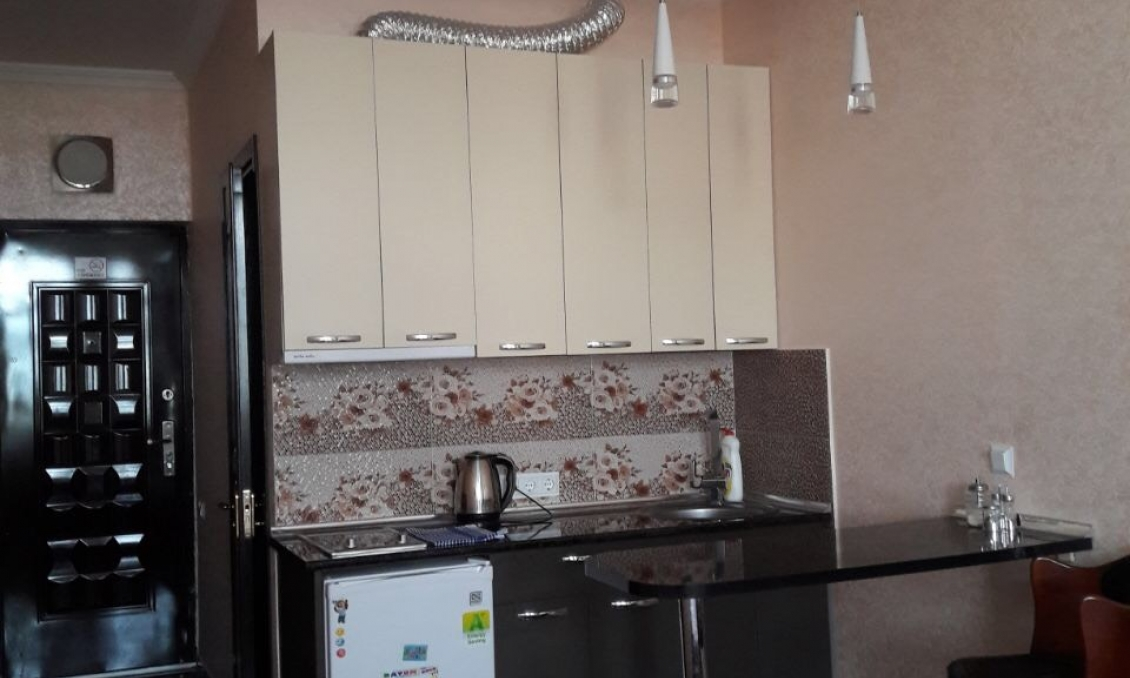 Sale 1-room apartment with repair, furniture, appliances. 150 meters from the beach in Batumi
