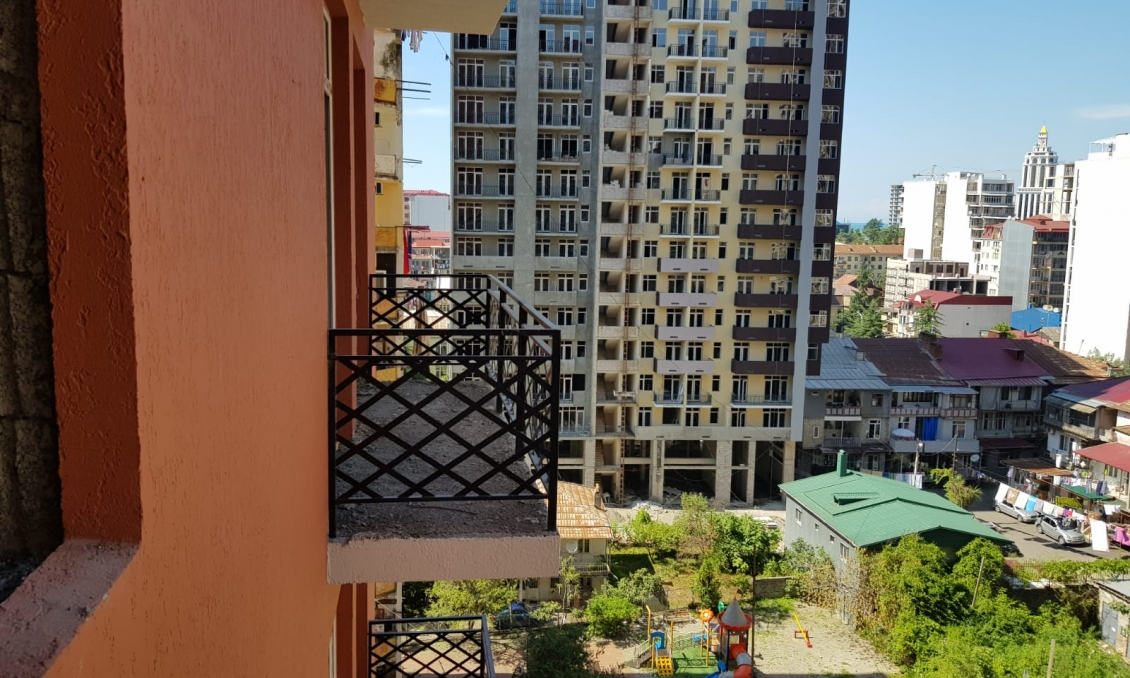 sale 2-bedroom apartment, 42.75 m2, black frame in the house deposited. Old Batumi