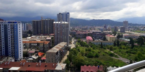 Sell 1-room apartment renovated, furniture and appliances near the beach in Batumi
