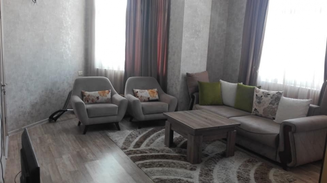 Sale 3-room apartment 682 dollars / m2 renovated and furnished, 66 m2 in a new house, st. Pushkina,