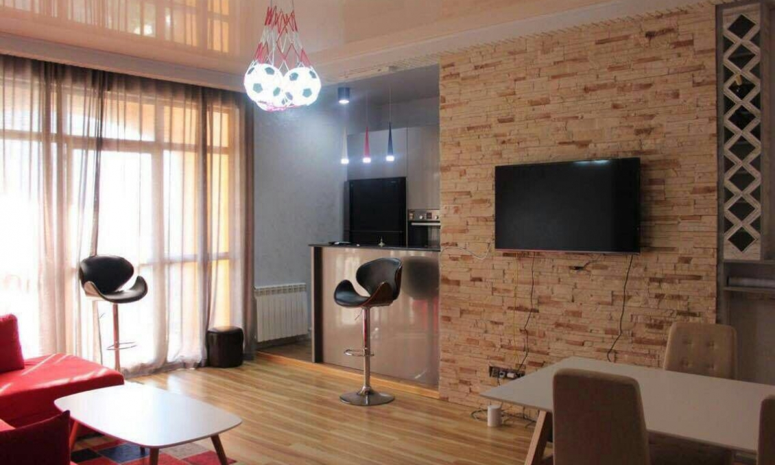 Rent a lovely 3-room apartment, 90 m2 in Batumi, first coastal, park, sea